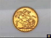 1893 Sovereign. St. George slaying the dragon. Older Veiled head Queen Victoria. Reeded edge - Sydney Mint. (Please note that email offers are considered on all coins.) (*)