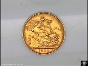 1900 Sovereign. St. George slaying the dragon. Older Veiled head Queen Victoria. Reeded edge - Sydney Mint. (Please note that email offers are considered on all coins.) (*)